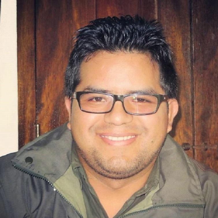 https://wildwatchperu.com/wp-content/uploads/2019/04/Jose-Luis-guia-Wild-watch-Peru-.jpg